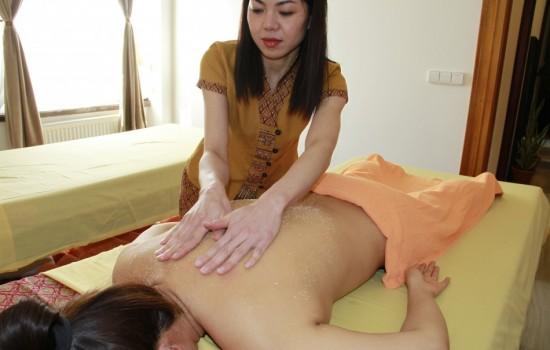Peelingová & Aromatická masáž