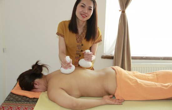 Hot herbal massage